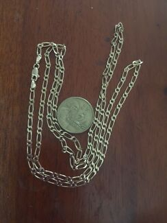 70cm 9ct gold chain  excellent used condition