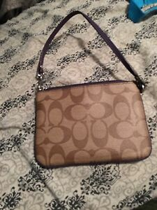 Perfect condition wristlet London Ontario image 2