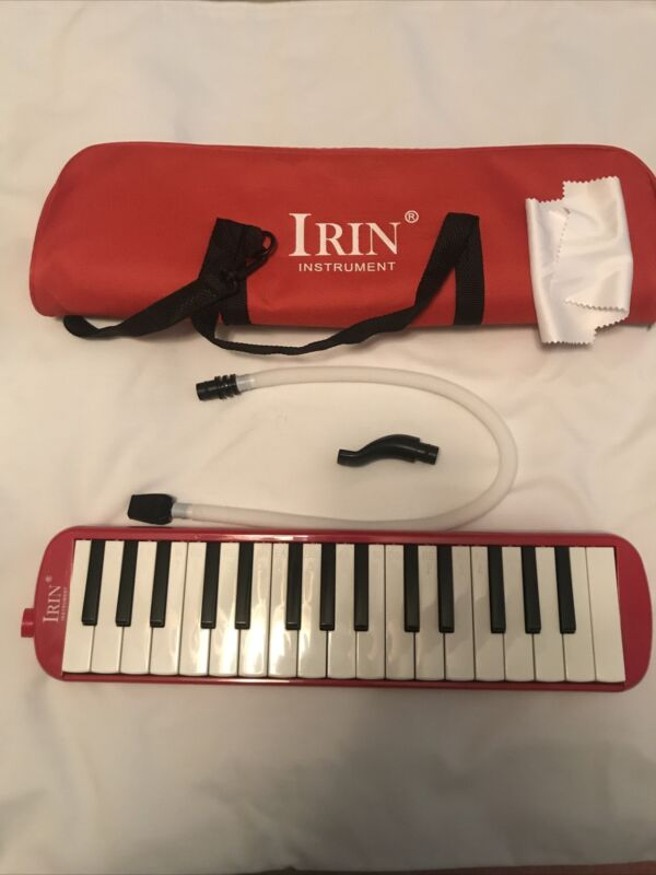 Irin 32 Key Melodica with carrying case and attatchments