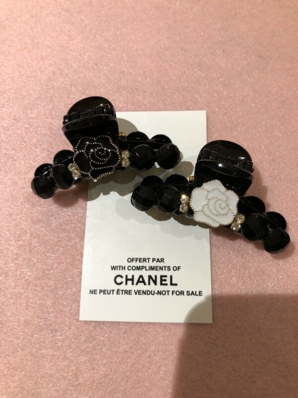 Chanel Vip Hair Claws