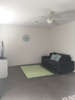 Big bedroom available in spacious unit *close to tram and university* Surfers Paradise Gold Coast City Preview