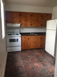 362 UNION ST- 1 bedroom available July 1st $595