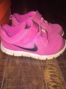 Nike size 10 toddler sneakers