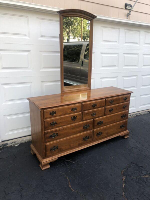 ETHAN ALLEN Heirloom Nutmeg Maple 10 drawer Dresser with mirror