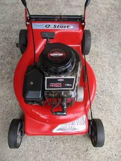 BRIGGS STRATTON ROVER 4 STROKE,SERVICED LAWNMOWER.NO CATCHER!