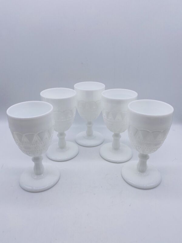 Vintage Lace And Dewdrop Milk Glass Water Wine Goblets Pedestal Glasses (5)