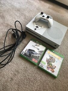 500GB Xbox one S plus games