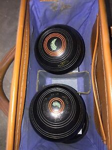 Lawn Bowls Henselite Size 2 X 4 Worongary Gold Coast City Preview