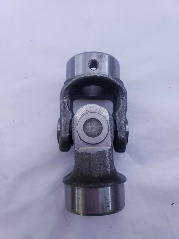 """NEW 1"""" ID x 1"""" ID UNIVERSAL JOINT ASSEMBLY / 5"""" LONG  w/keyway"""