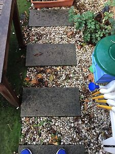 Free garden pebbles and concrete pavers Ivanhoe Banyule Area Preview