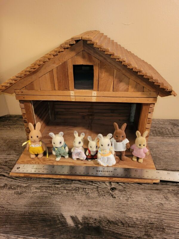 Vintage Wood Nativity Manger Stable Barn Homemade 1970s? With Bunny Family!