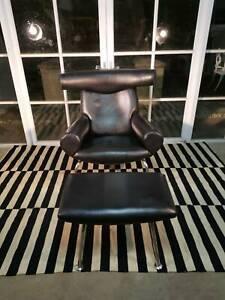 Stunning Modernica-Hans Wegner Danish Eames Ox Armchair Can Del