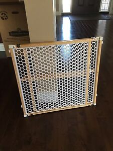 Standard baby gate sold ppu