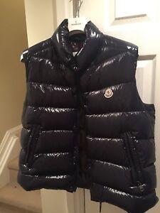 Moncler Vest size 5 (large) w/receipt