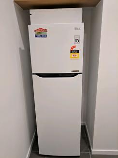 279L top mount fridge woth inverter cimpressor rrp 849