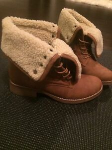 Brand new Material Girl boots