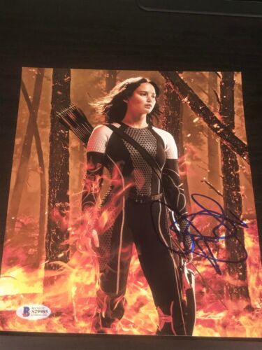JENNIFER LAWRENCE SIGNED AUTOGRAPH 8x10 PHOTO CATCHING FIRE HUNGER GAMES BECKETT