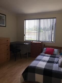 Room in Kewdale ! fast NBN Internet  :)