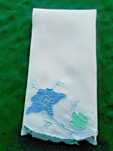 BEAUTIFUL MADEIRA EMBROIDERED AND APPLIQUED WHITE LINEN TOWEL, VINTAGE1920