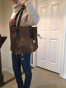 Authentic Michael Kors Large Brown Leather Purse