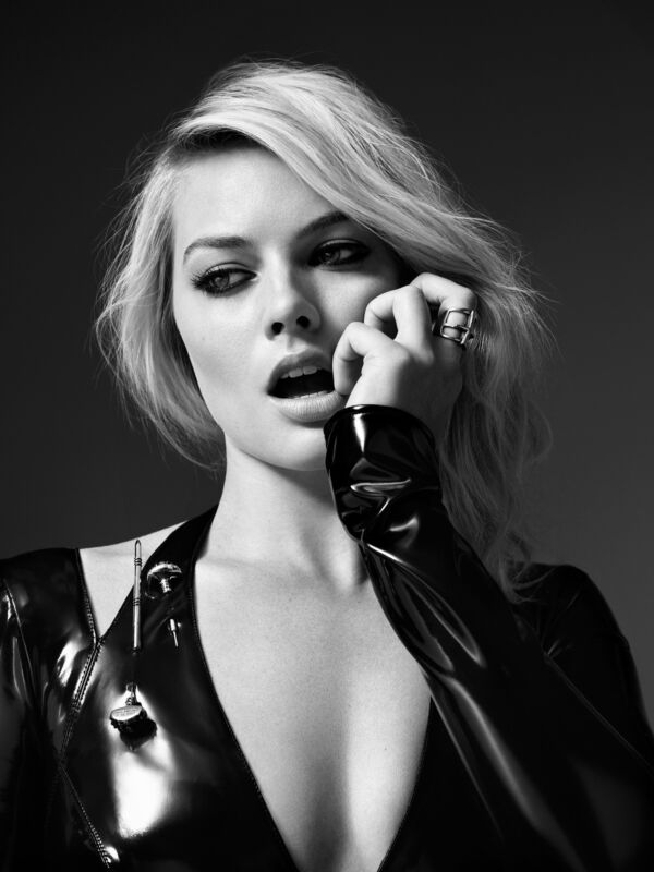 Margot Robbie With Mouth Open 8x10 Photo Print