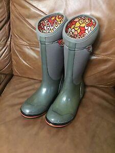 Bogs rainboots - women's size 10