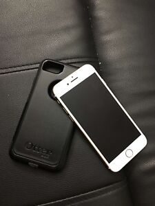 iPhone 7 32Gigs W/Otterbox