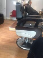 Barbers wanted $ 200 cash daily