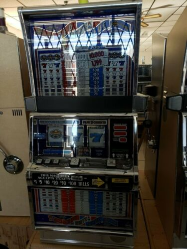 RED, WHITE & BLUE  COINLESS  IGT SLOT MACHINE  FUN FOR YOUR HOME