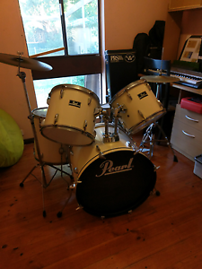 Drum kit Pearl Valley View Salisbury Area Preview