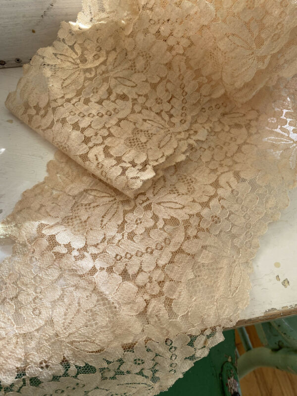 "Beautiful Ornate Antique 1900's French Blonde Chantilly Lace Scarf 52"" Chic"