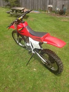 2002 Honda XR 200 Runs Great FMF exhaust