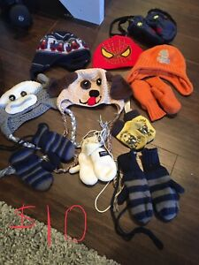 Toques and mitts lot