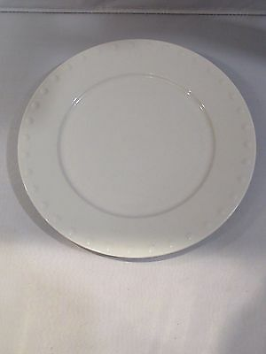 Oneida White PEARLS Round Charger Serving Plate Platter - EUC