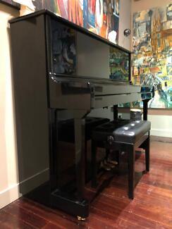 Ebony Kawai Piano K3 - Excellent condition