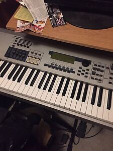 Yamaha Mo8 à vendre bonne condition/for sell in condition