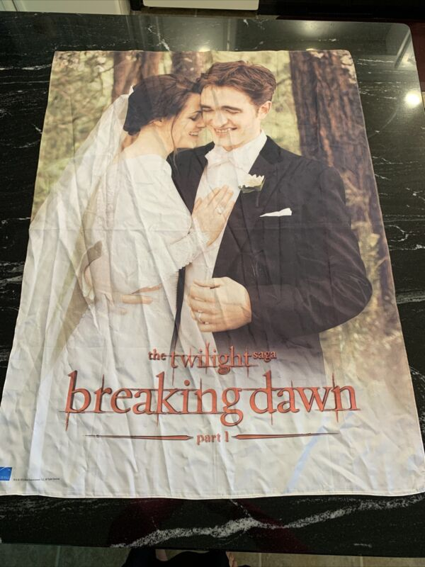 2012 The Twilight Saga: Breaking Dawn Part 1 Wedding Banner Summit Entertainment