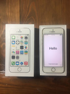 iPhone 5s - 16gb - Unlocked w/ Box and Accessories