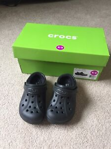 New winter lined size 8/9 crocs