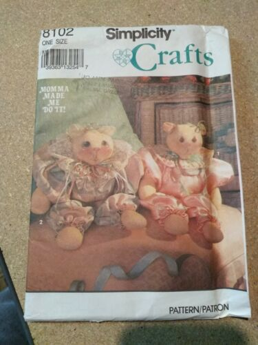 8102 Simplicity Crafts Pattern Stuffed Bear Cat Clothes Uncut Momma Made Me Do  - $6.88