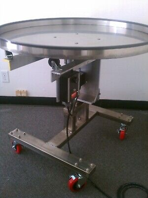 Stainless Steel Accumulation Table 48 Diameter