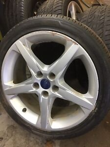 3 Ford Focus 18 wheels and tires