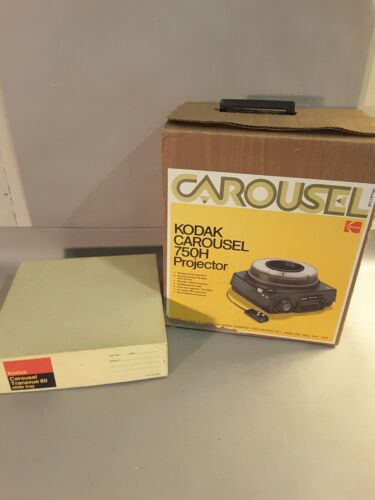 Kodak Carousel 750H slide projector with remote in box plus extra slide tray