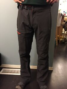 Men's Mountain Hardware Hiking Pants Sz 28x32