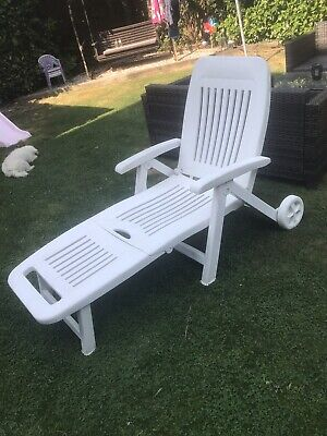 White reclining sun lounger