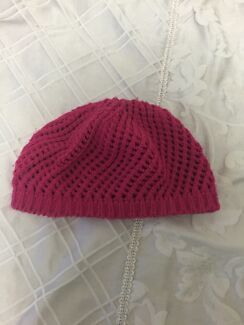Pink beanie Thornlands Redland Area Preview