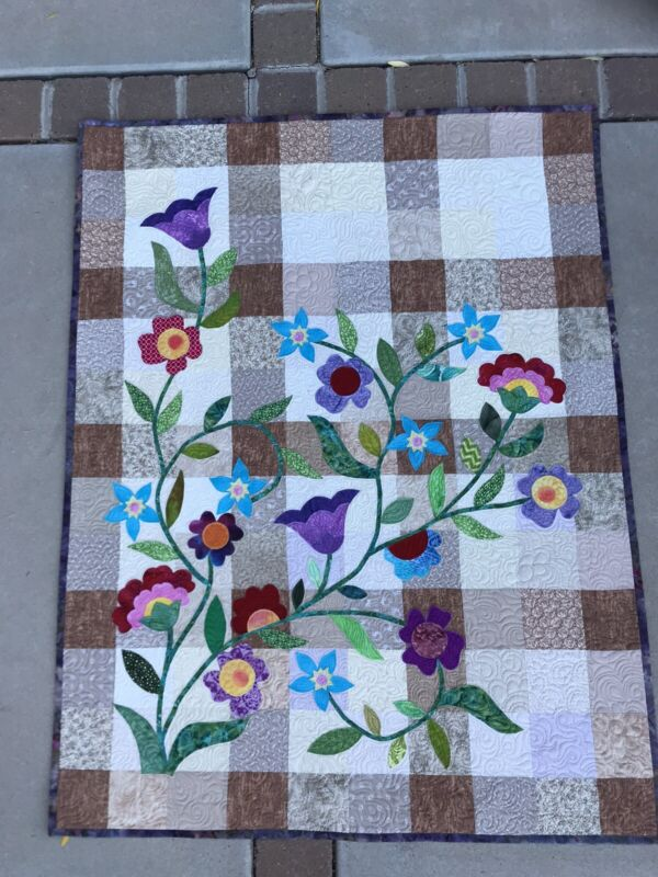 """Custom Applique Quilt Topper Finished 44"""" x 57"""""""