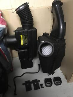 Holden Commodore VE series 1 V8 SS SSV factory air intake assy Belmont North Lake Macquarie Area Preview