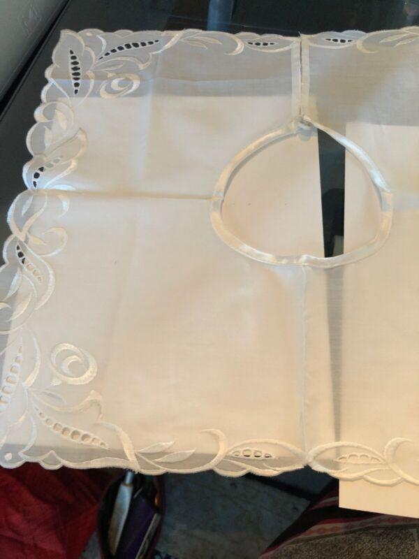 Embroidered Linen Collar BIb - Vintage