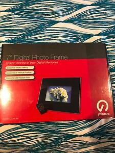 "7"" Digital Photo Frane Floreat Cambridge Area Preview"